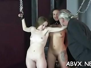 Playful hottie doesn'_t mind fucking