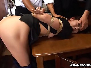 Housewife, Aoi Wajo got fresh cum all over her face