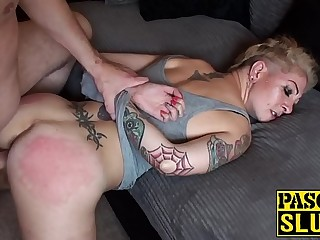 Mature English minx ass BJ'ed by Pascal White
